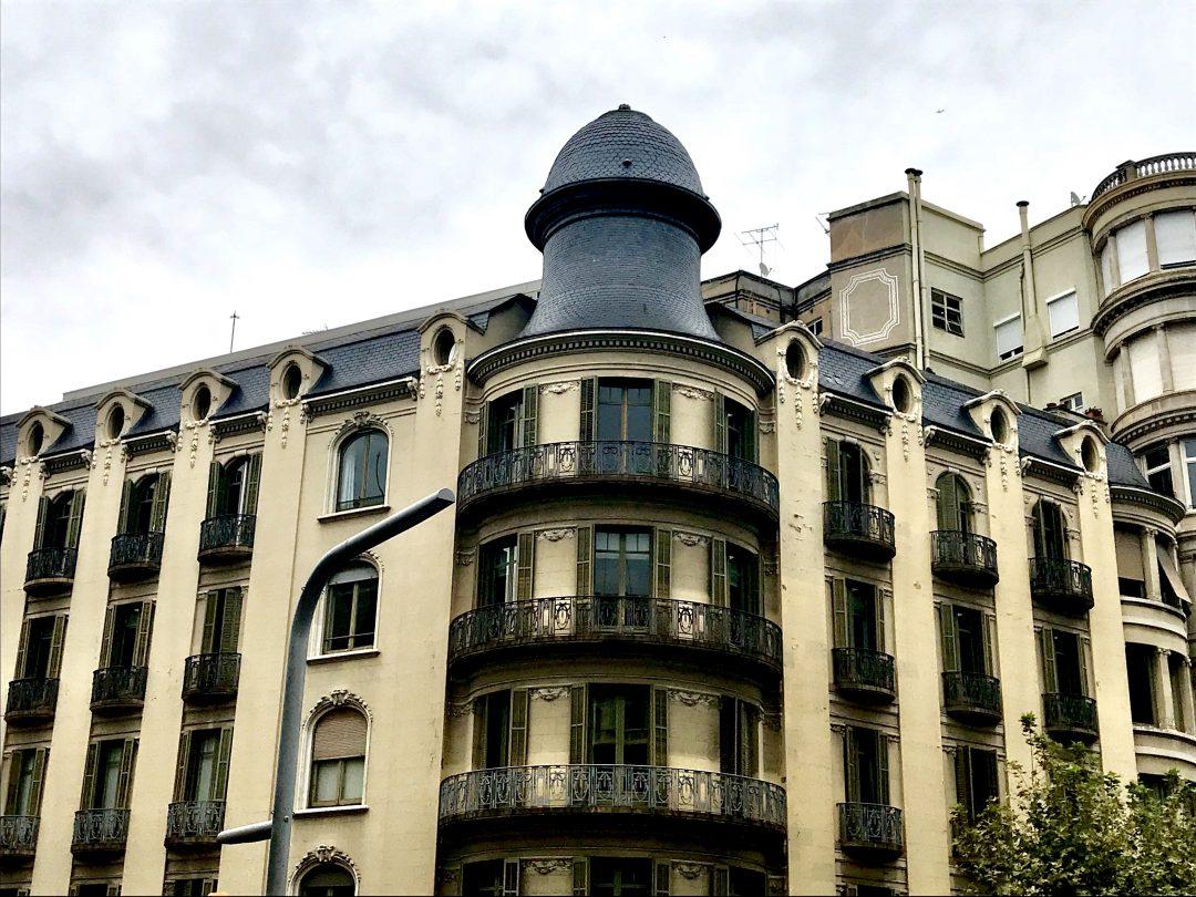 Barcelona Building Belle in Transit